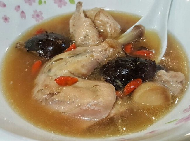 Chicken soup with red dates food blog eatdreamlove singapore although i blogged a lot about dining places i actually love home cooked food very much too however our busy hectic working life hardly permits this forumfinder Image collections