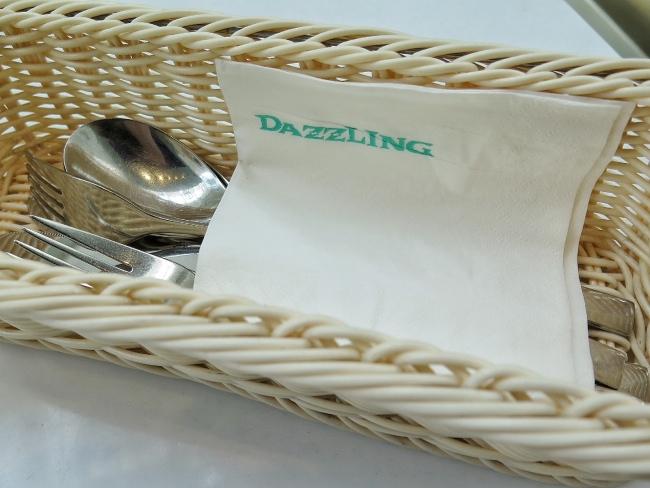 dazzling_cafe_7